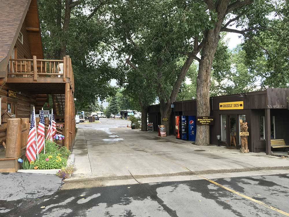 Ponderosa campground cody wy rv parks and campgrounds for Ponderosa cabins california