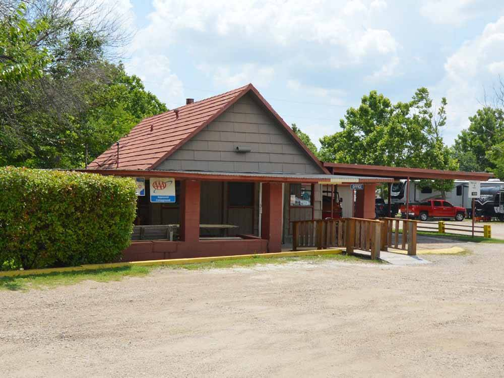 Lodge Office at DALLAS HI HO RV PARK