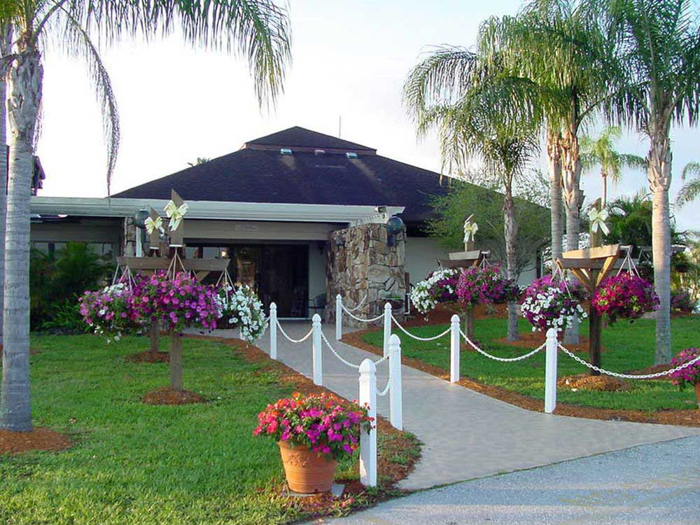 RAINTREE RV RESORT at FORT MYERS FL