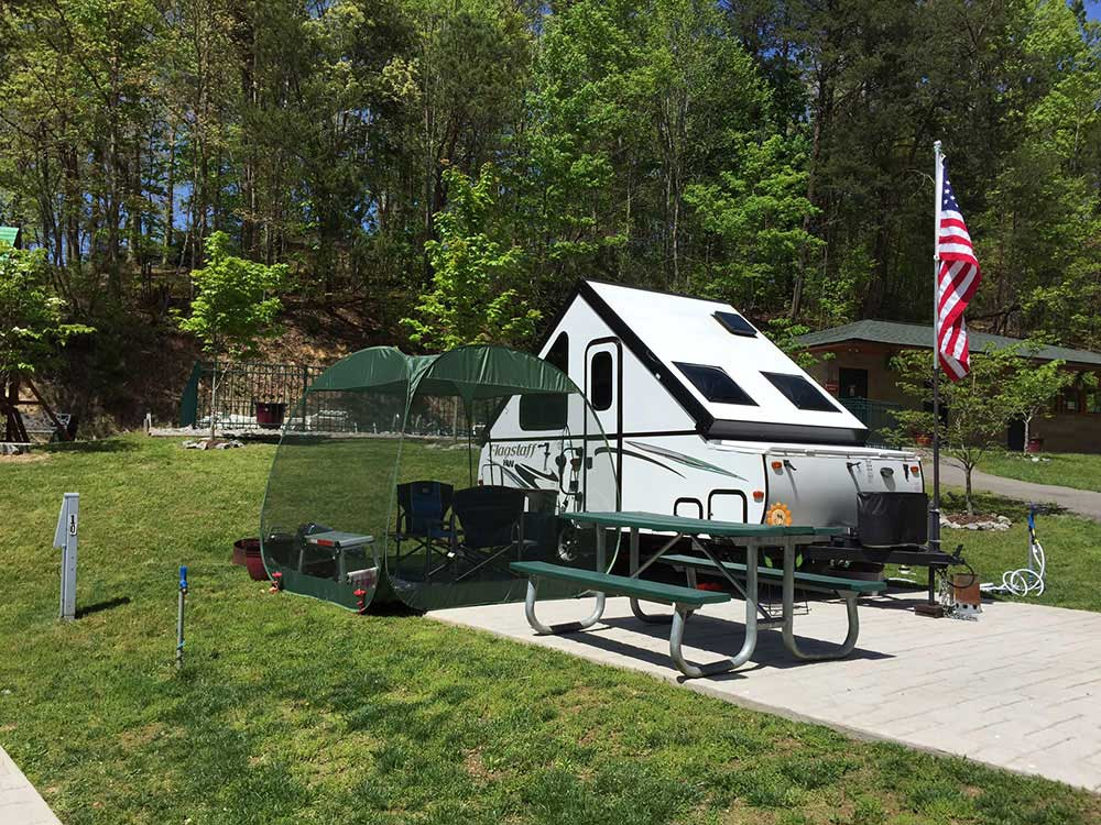 Bear Cove Village Pigeon Forge Tn Rv Parks And