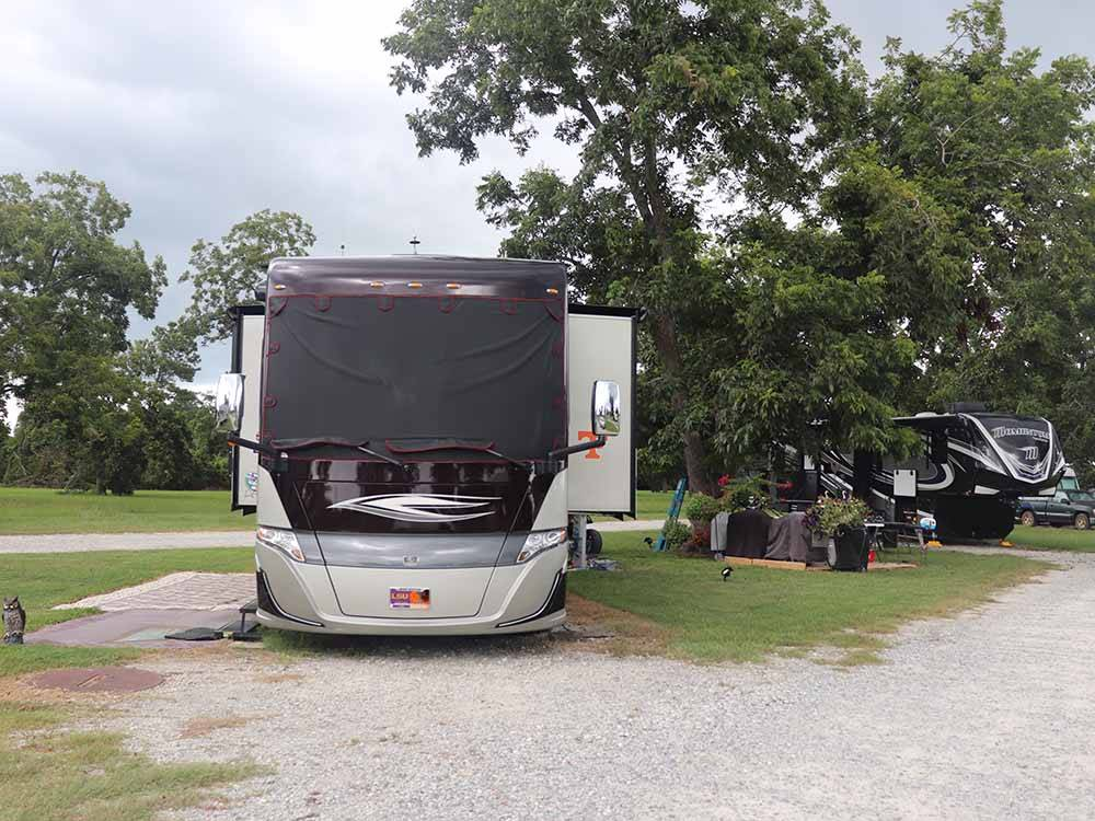 Large motorhomes camping at CECIL BAY RV PARK