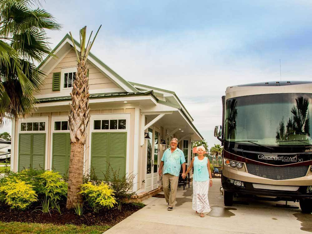 RV and lodging at LAKE OSPREY RV RESORT