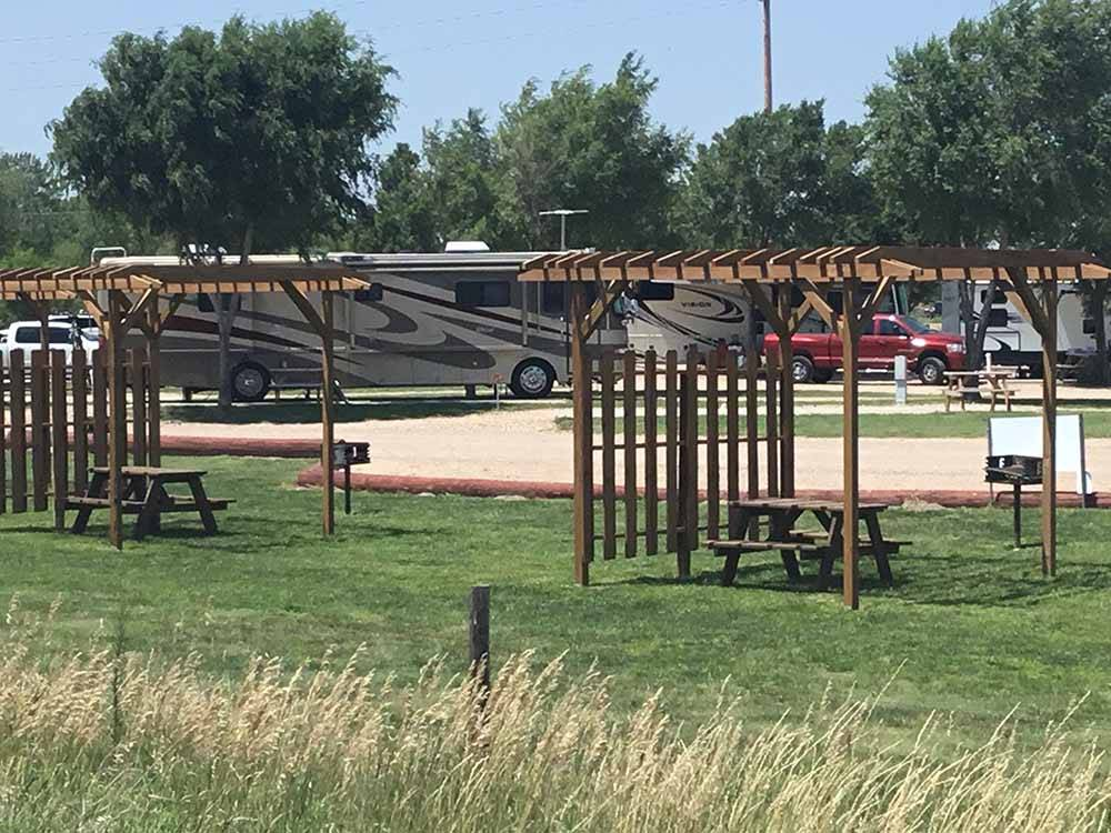 Trailers camping along the water at KEARNEY RV PARK  CAMPGROUND
