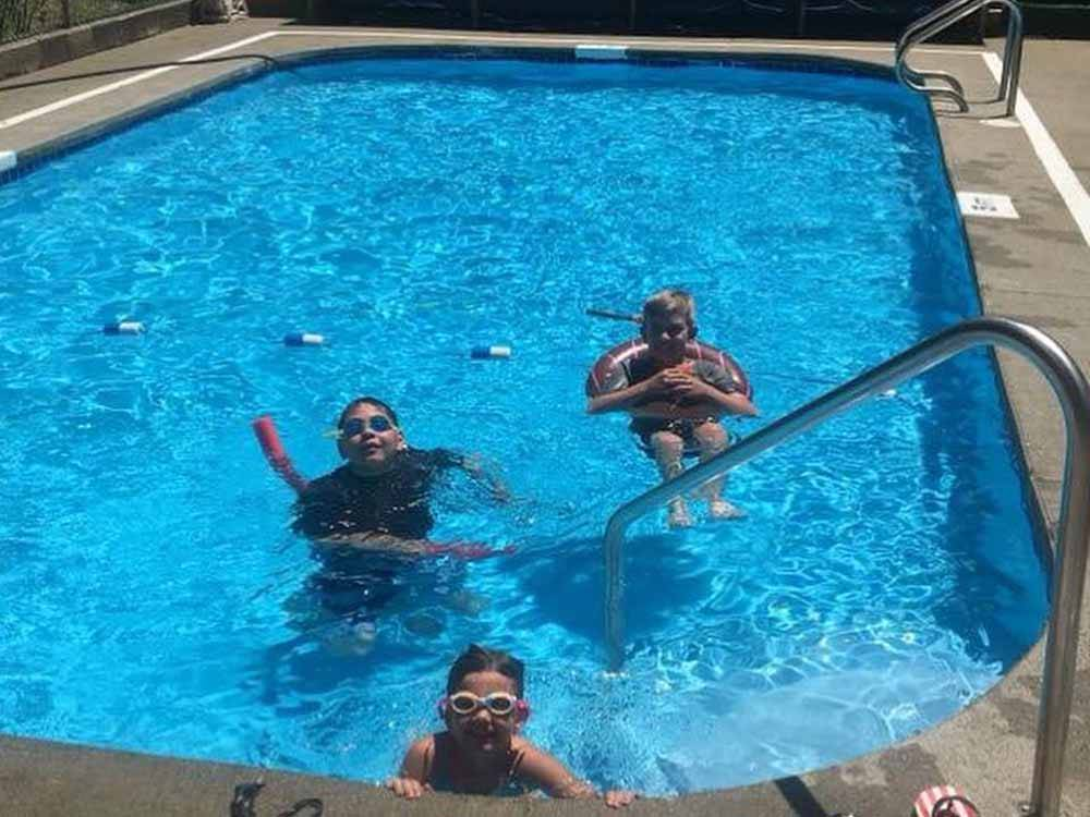 SUNNY VALLEY RV PARK At WOLF CREEK OR