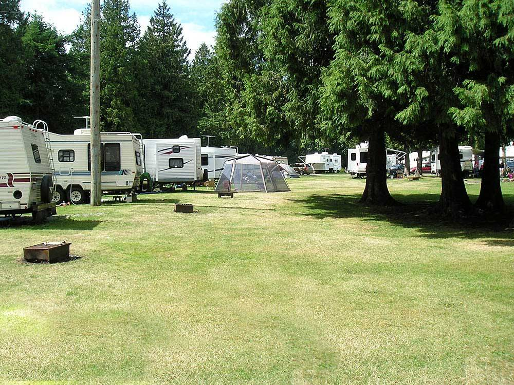 CULTUS LAKE THOUSAND TRAILS RV RESORT at LINDELL BEACH BC