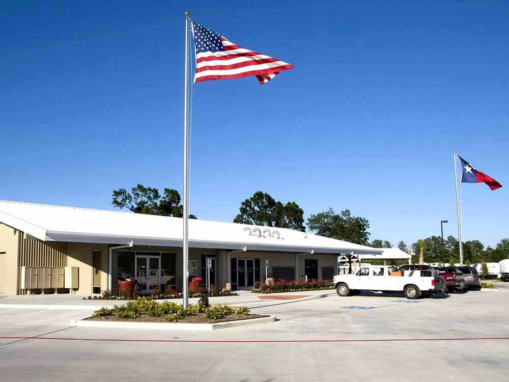 NORTHLAKE RV RESORT at HOUSTON TX