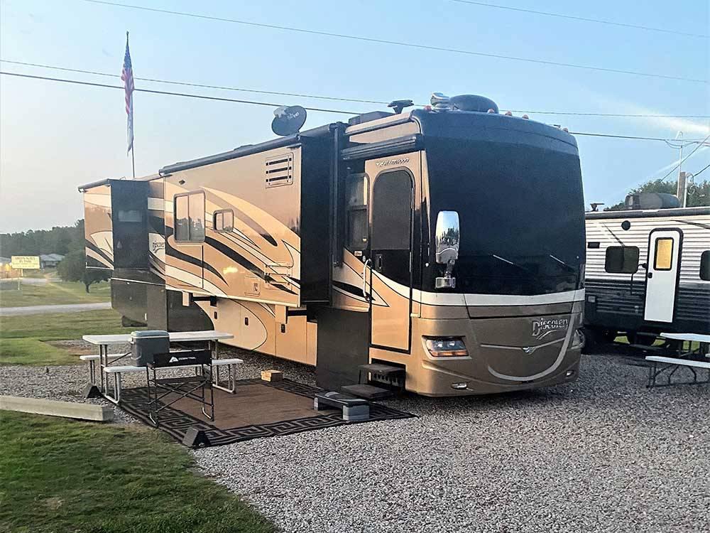 Green acres rv resort savannah campgrounds good sam club for Trailer rental savannah ga