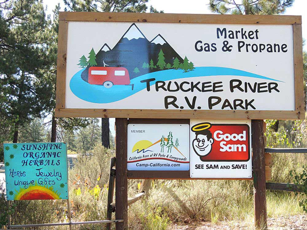 Sign at entrance to the park at TRUCKEE RIVER RV PARK
