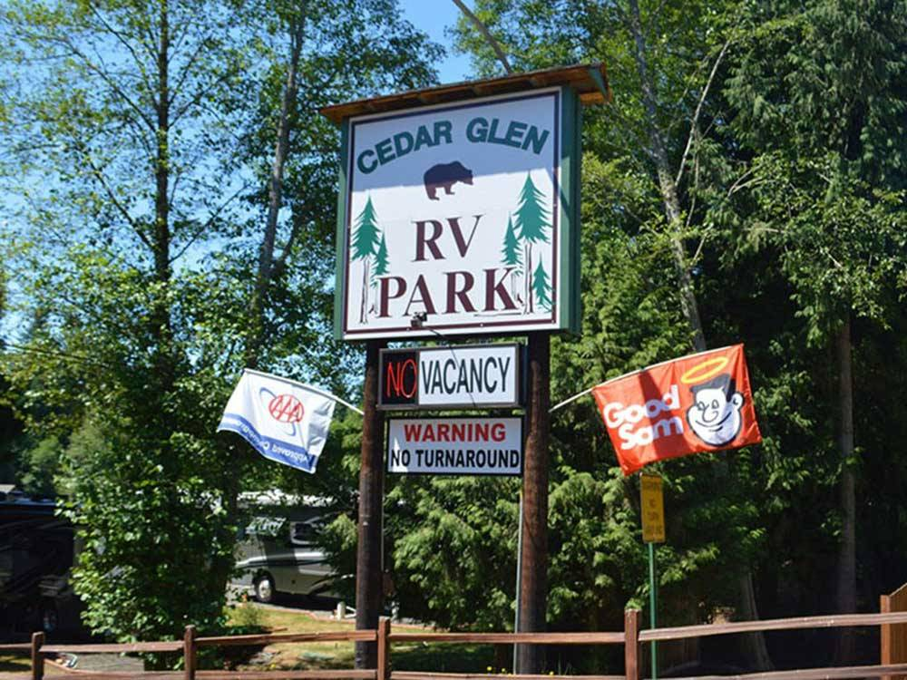 Sign leading into campground at CEDAR GLEN RV PARK