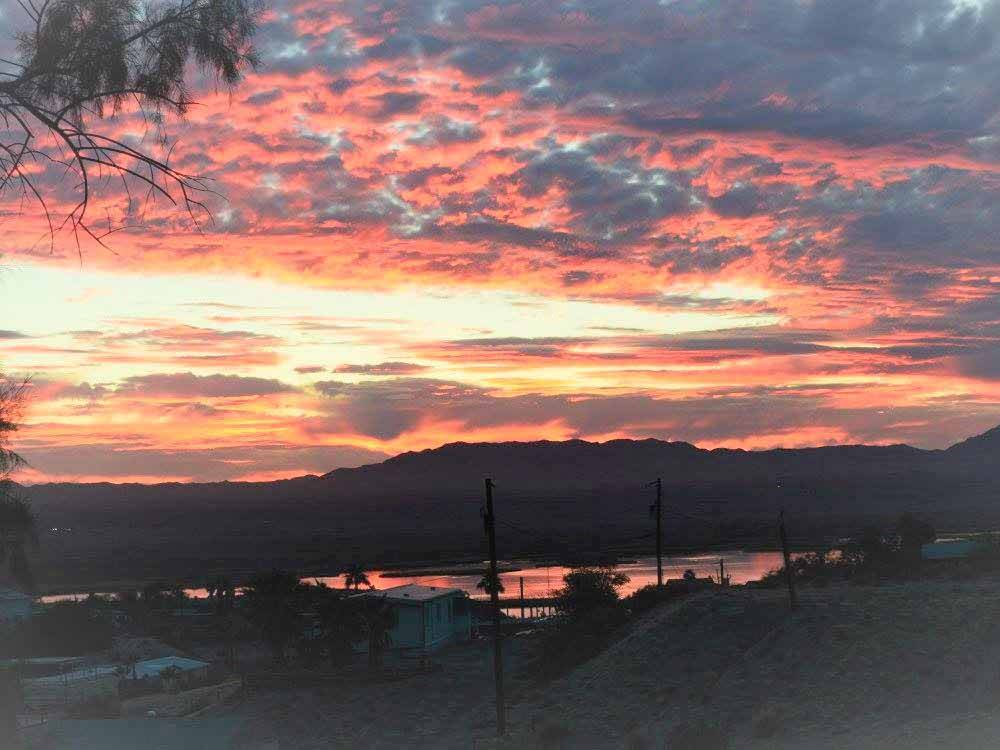 Sunset over the RV park at ROUTE 66 GOLDEN SHORES RV PARK