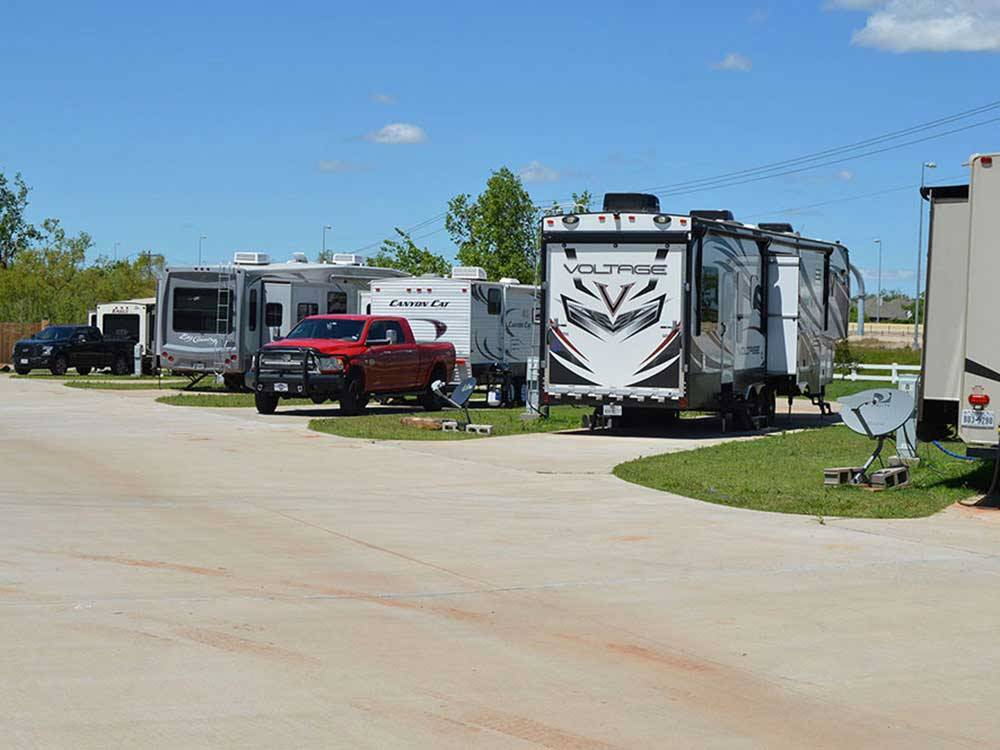 MUSTANG RUN RV PARK At OKLAHOMA CITY OK