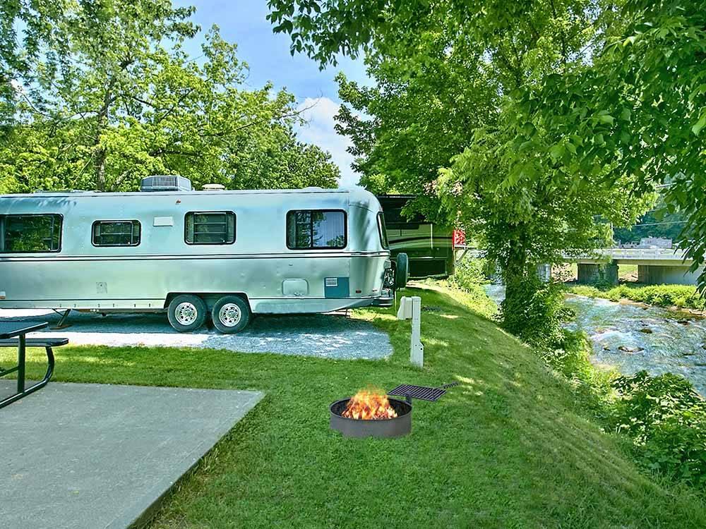 riveredge rv park log cabin rentals pigeon forge tn