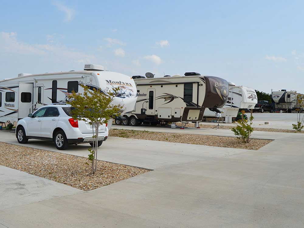 Paved sites at FORT WORTH RV PARK
