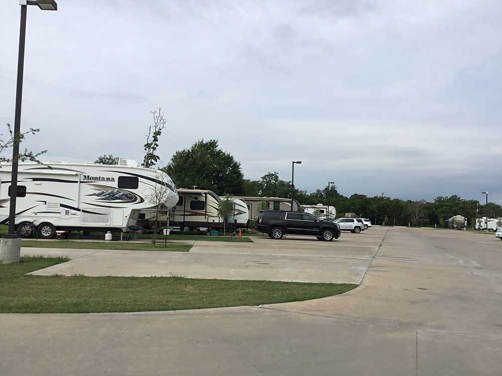 5th wheels parked at CRYSTAL LAKE RV RESORT