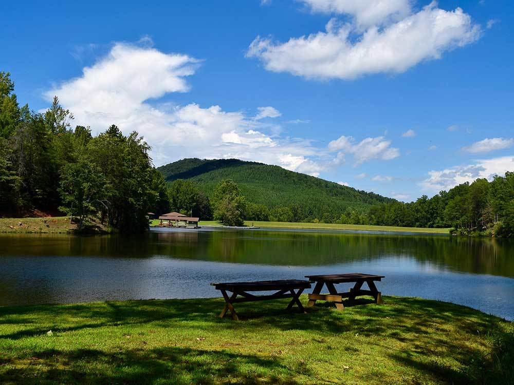 Lake view at YOGI BEARS JELLYSTONE PARK CAMP RESORT-GOLDEN VALLEY