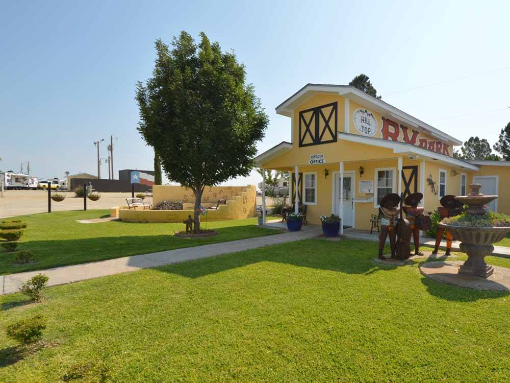 The swimming pool area at HILLTOP RV PARK