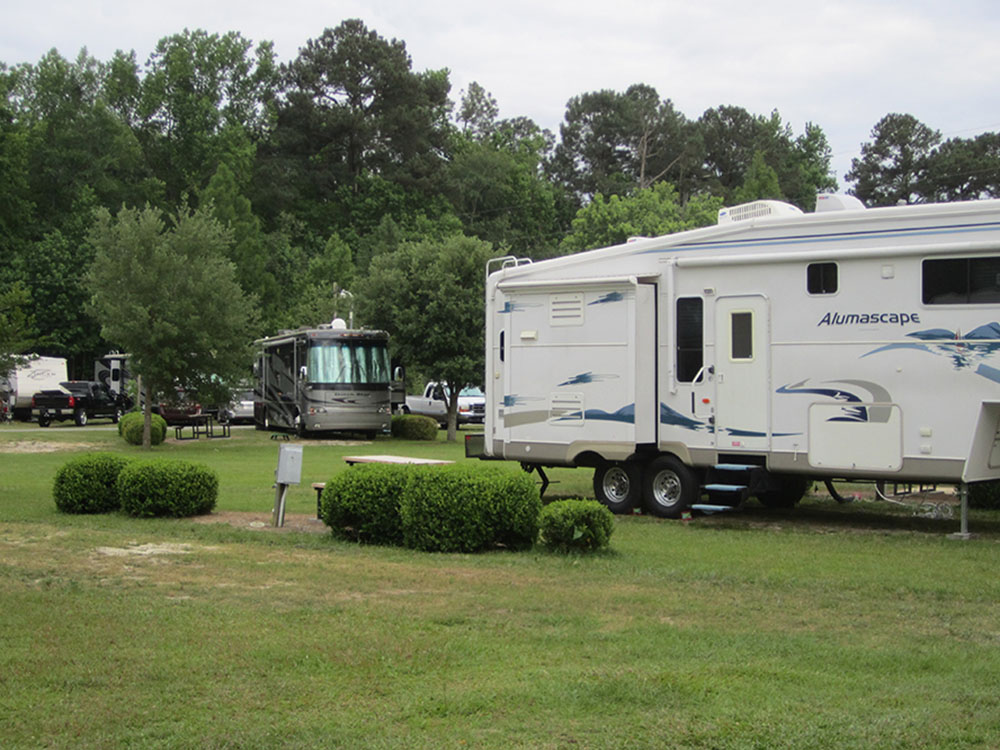 PARKWOOD RV PARK COTTAGES At STATESBORO GA