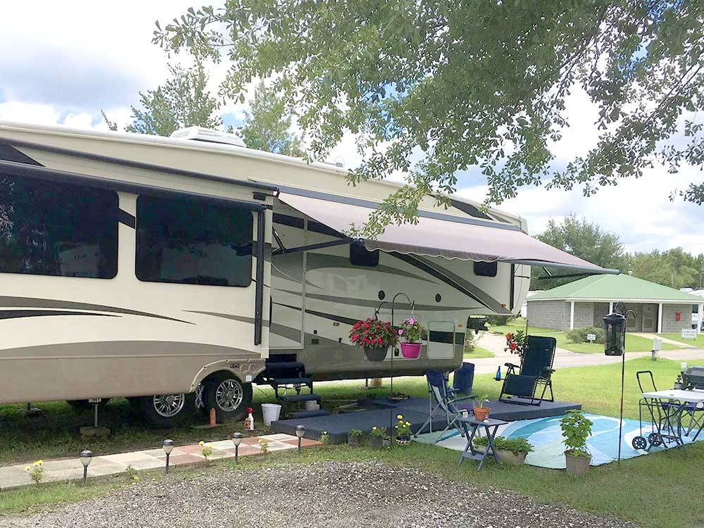 Trailer camping at CAMPGROUNDS OF THE SOUTH