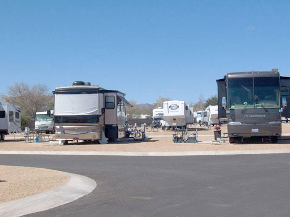 RVs and trailers at campgrounds at DE ANZA RV RESORT