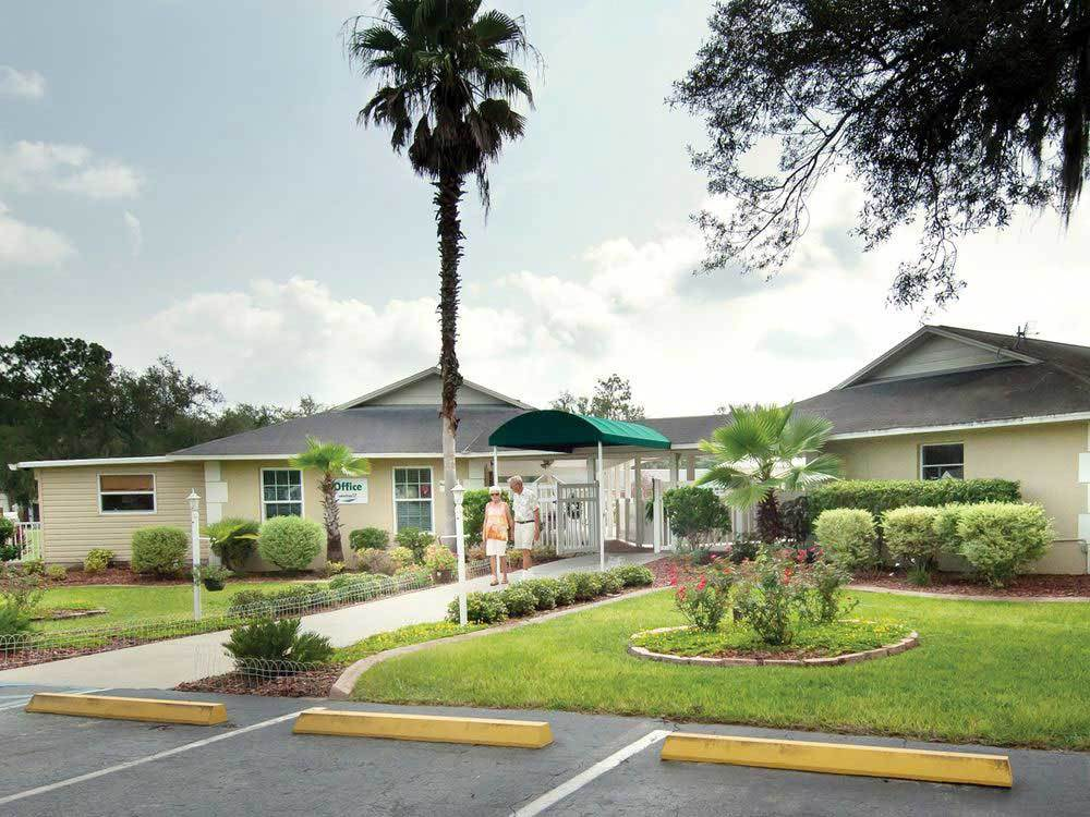 RED OAKS RV RESORT at BUSHNELL FL