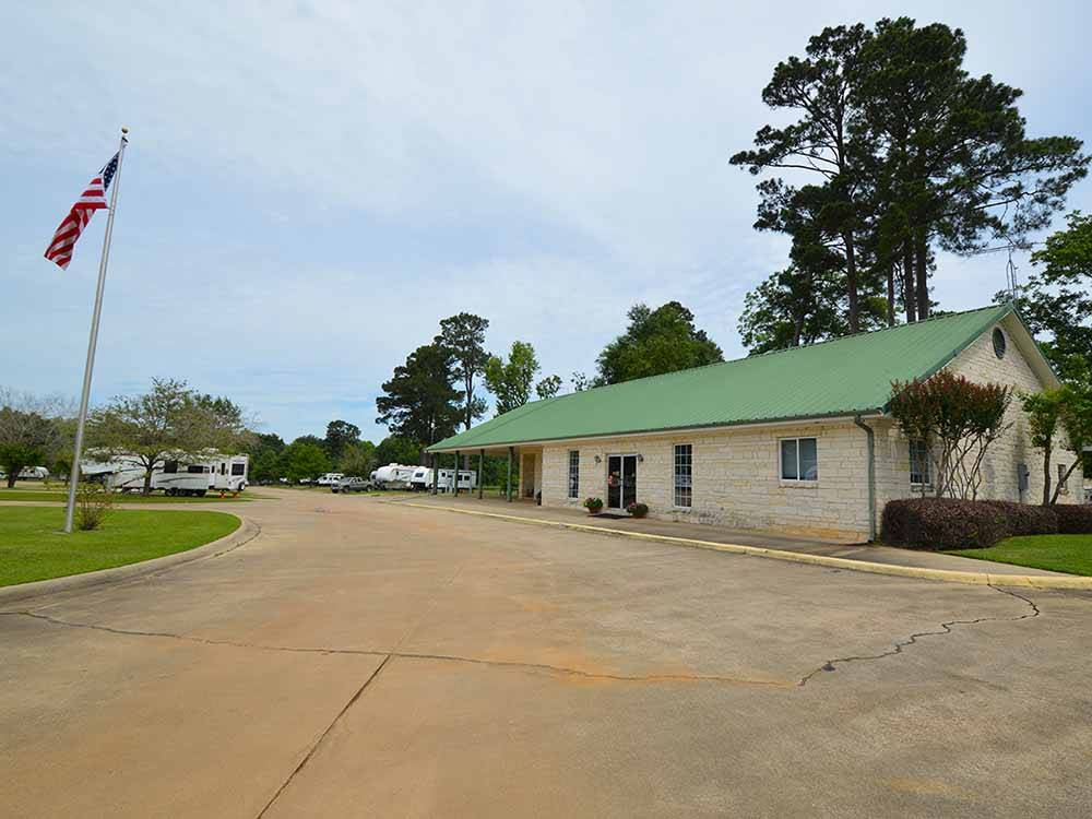 SHADY PINES RV PARK at TEXARKANA TX