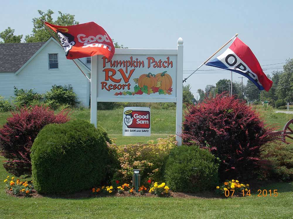 Sign at entrance of RV park at PUMPKIN PATCH RV RESORT