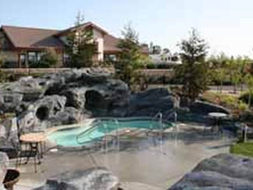 Swimming pool at campgrounds at WINE COUNTRY RV RESORT