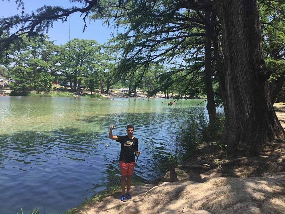 Parkview Riverside RV Park - Concan campgrounds   Good Sam ...