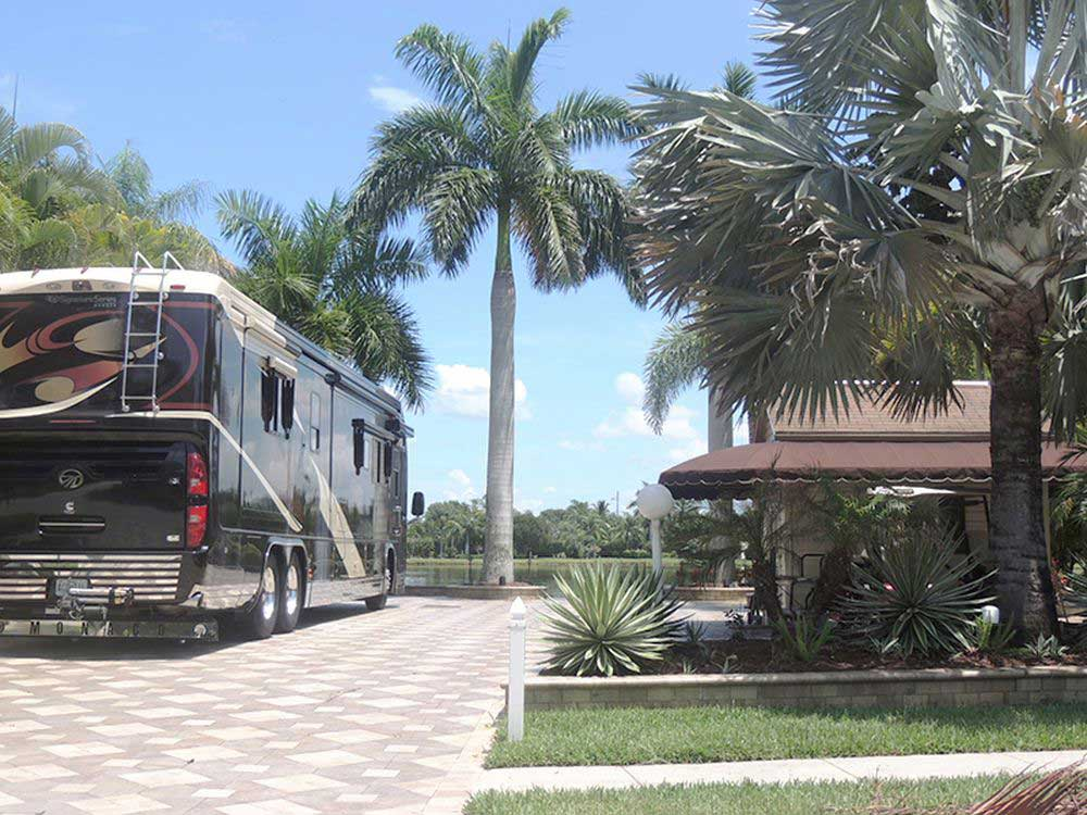 Pelican Lake Motorcoach Resort Naples Campgrounds Good