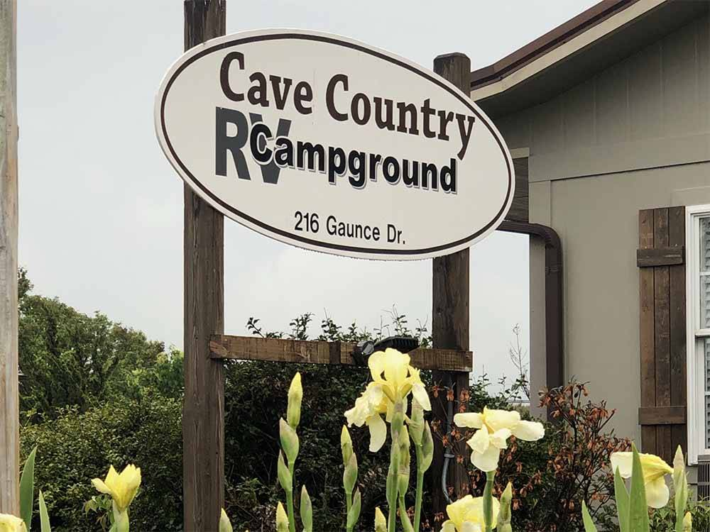 Lodging at CAVE COUNTRY RV CAMPGROUND
