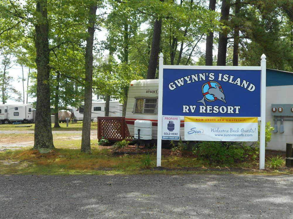 Sign leading into campground resort at GWYNNS ISLAND RV RESORT  CAMPGROUND