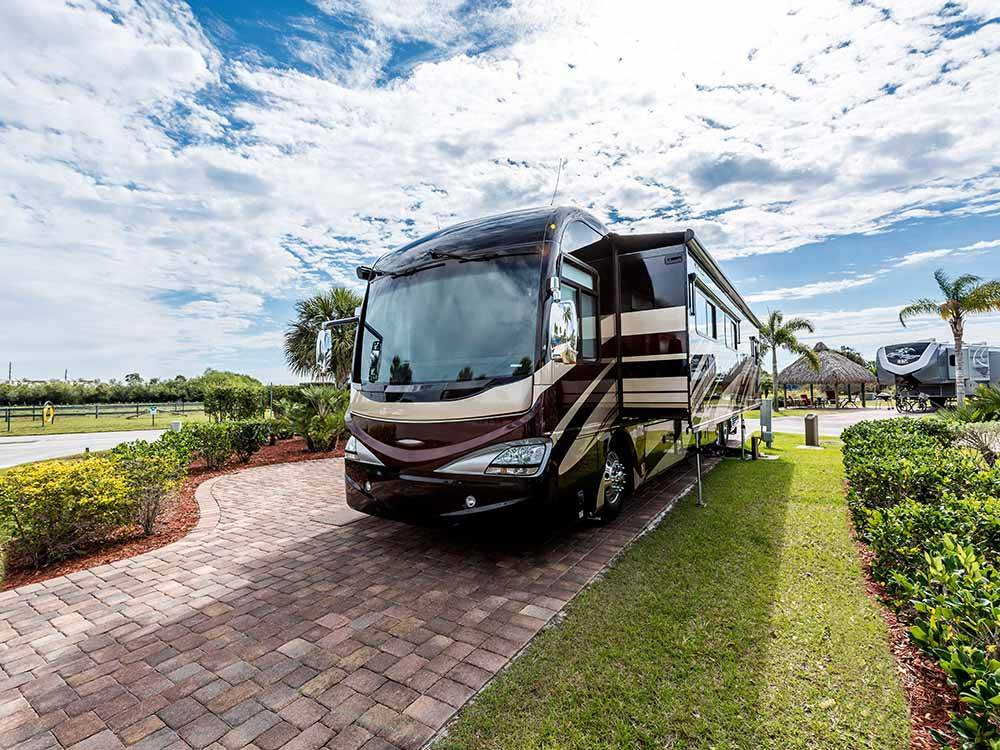 SILVER PALMS RV RESORT at OKEECHOBEE FL