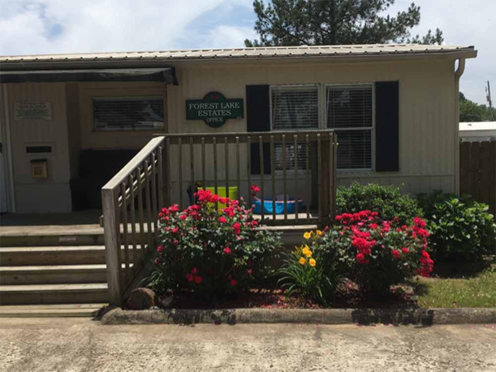 Sign leading into campground resort at FOREST LAKE ESTATES MH AND RV COMMUNITY