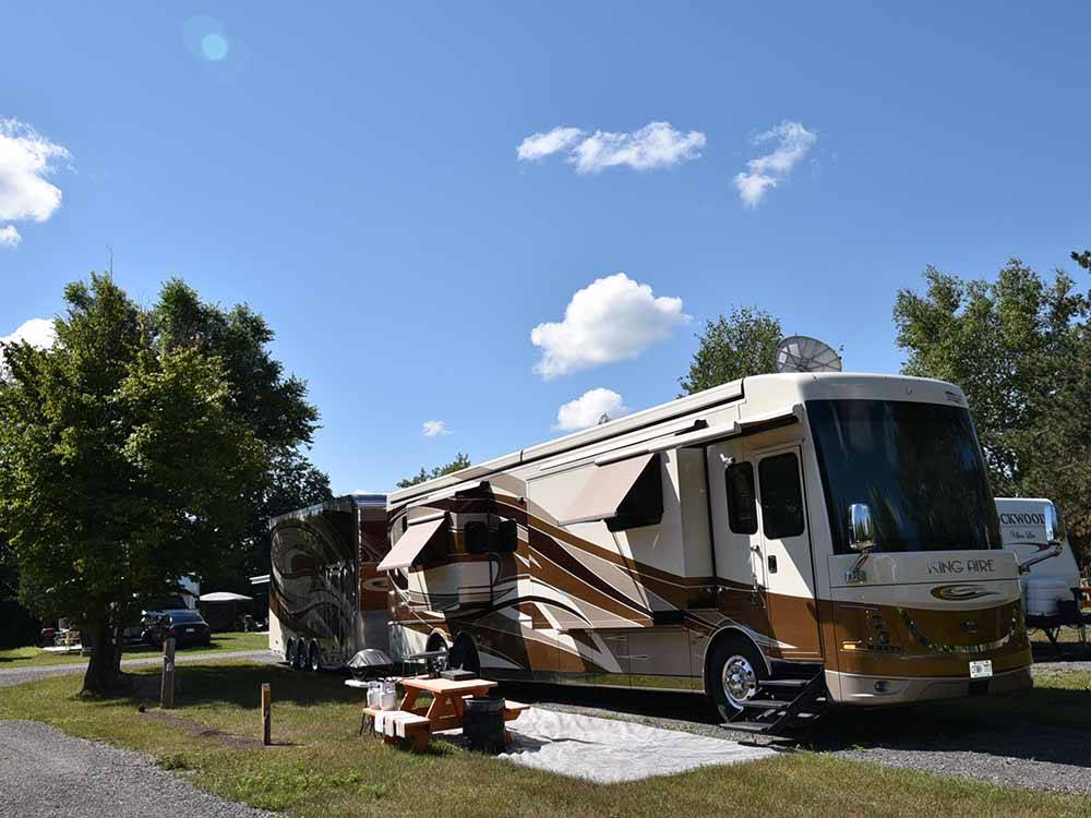 RVs camping at CAMP HITHER HILLS
