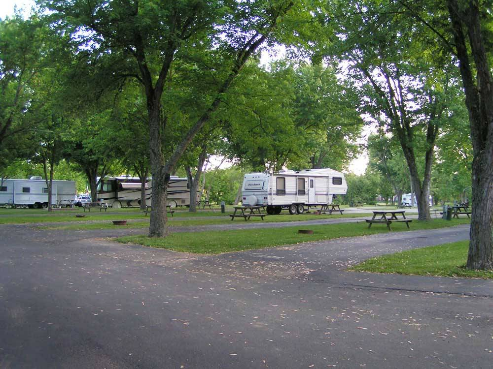 Elkhorn campground frankfort ky rv parks and for Nearby campgrounds with cabins