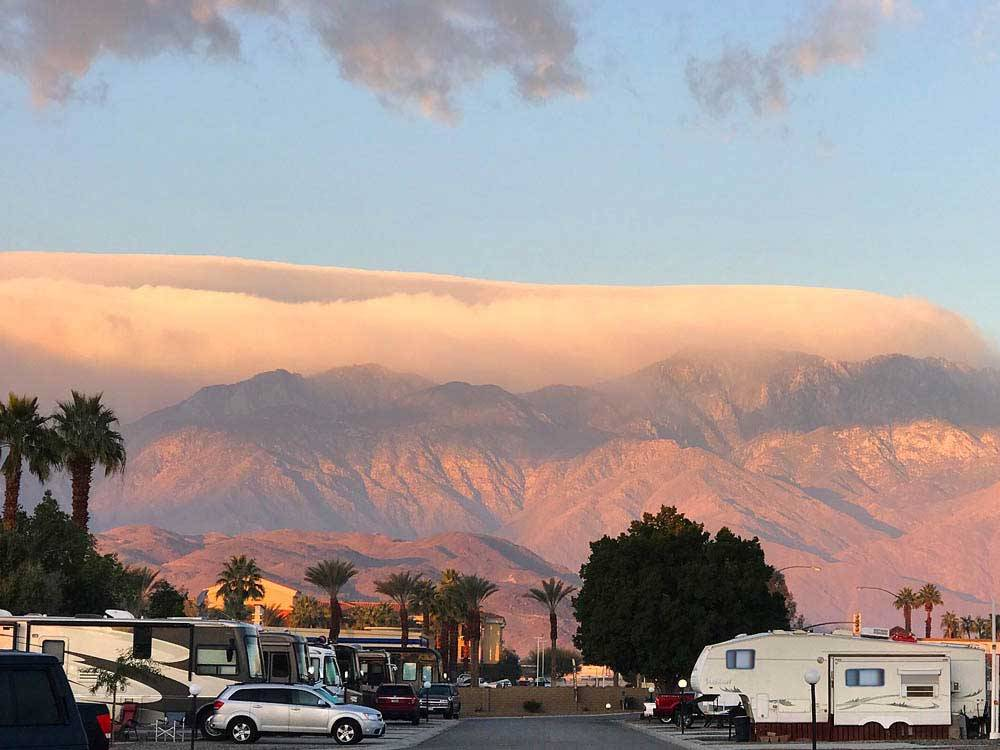 PALM SPRINGS OASIS RV RESORT at CATHEDRAL CITY CA