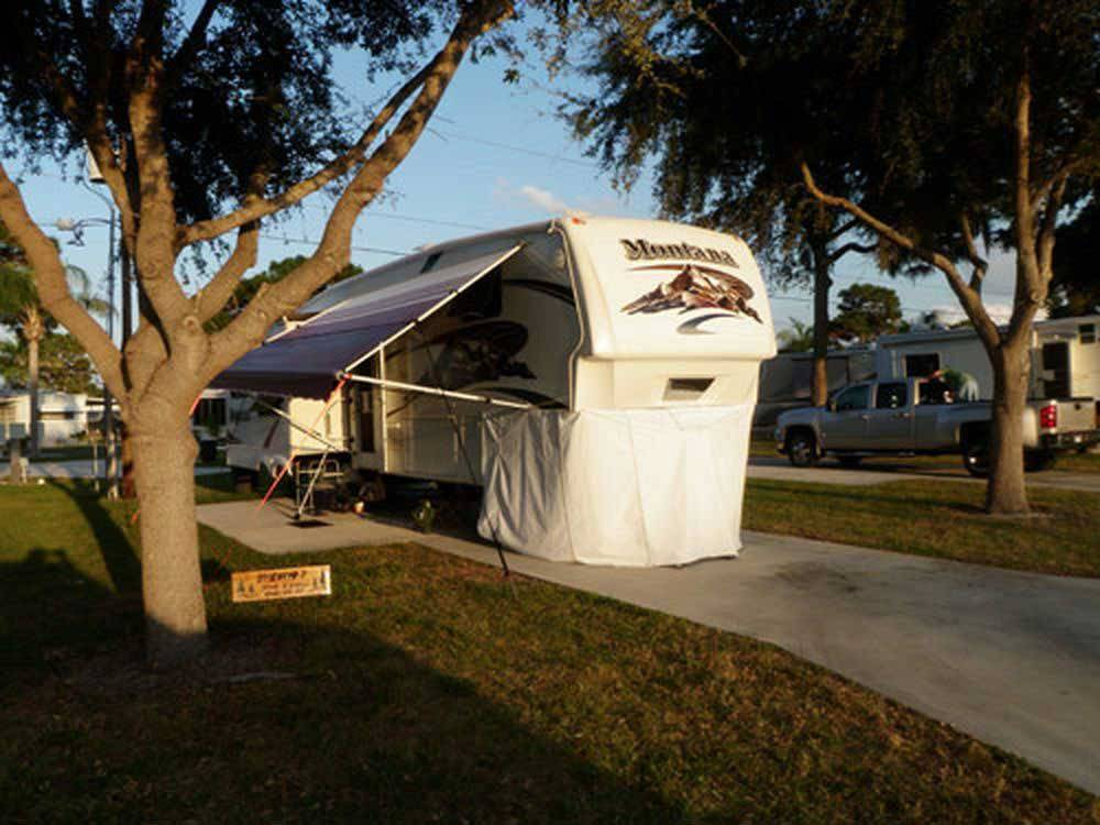 Florida Pines Mobile Home Court