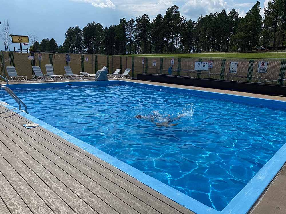 Beaver lake campground custer campgrounds good sam club for Cabins near custer sd
