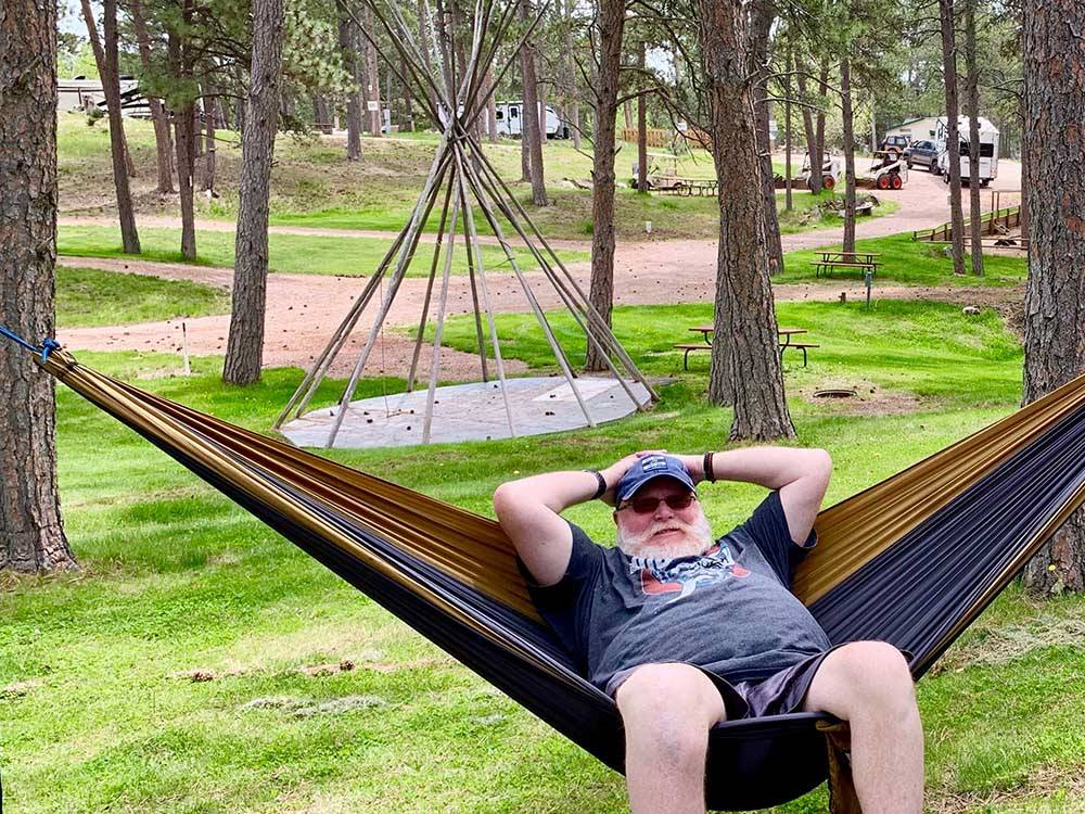 Beaver lake campground custer sd rv parks and for Cabins near custer sd