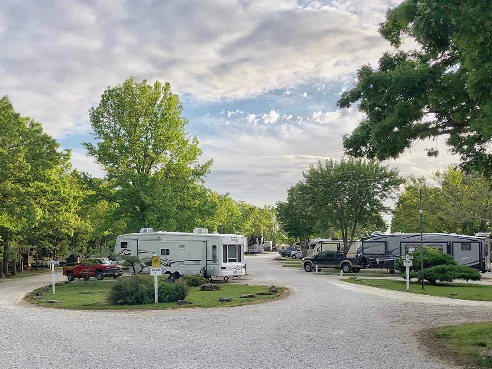 OSAGE BEACH RV PARK at OSAGE BEACH MO