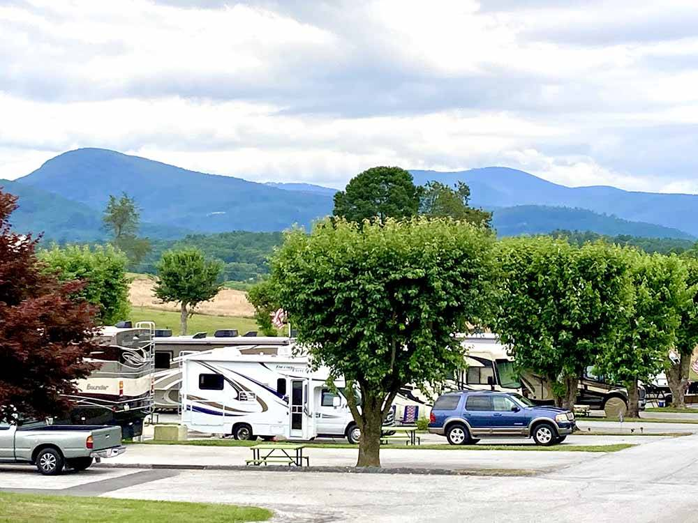 Paved pull thru RV sites at JAYMAR TRAVEL PARK