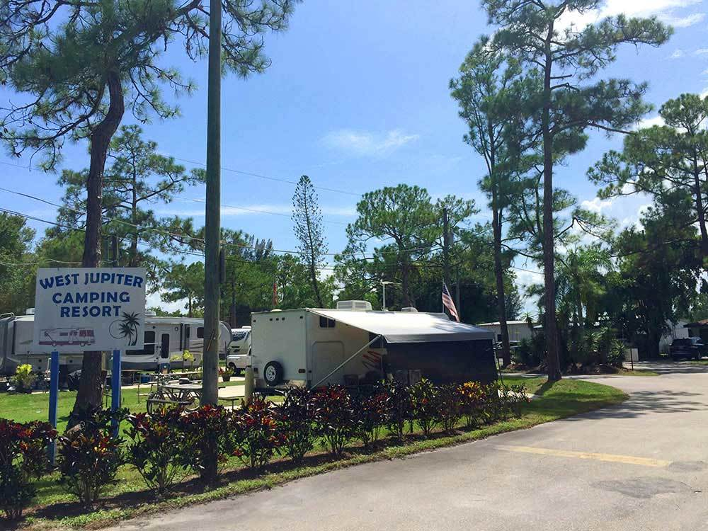 Trailers camping at WEST JUPITER RV RESORT