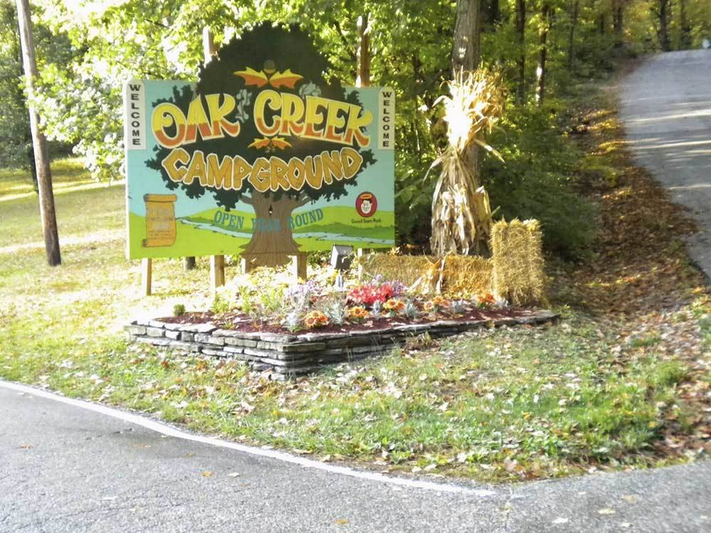 Sign at entrance to RV park at OAK CREEK CAMPGROUND