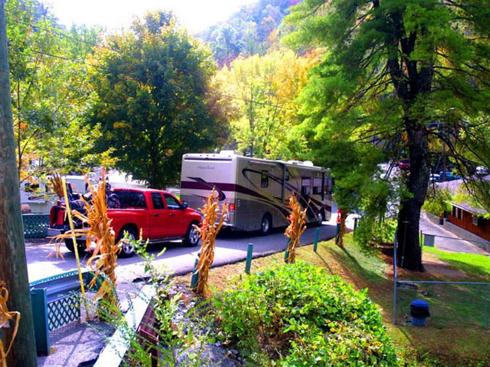 Twin Creek Rv Resort Gatlinburg Campgrounds Good Sam Club