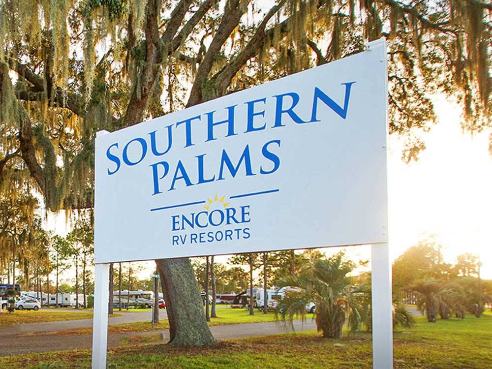 Southern Palms Rv Resort Eustis Campgrounds Good Sam Club