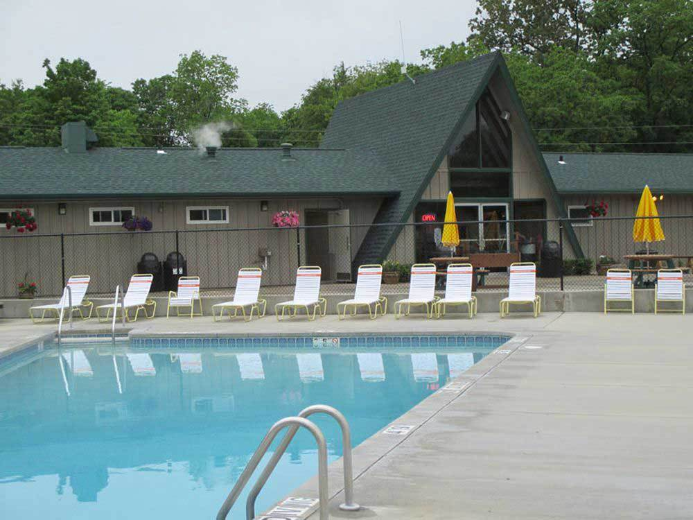 WESTWARD HO RV RESORT  CAMPGROUND at FOND DU LAC WI