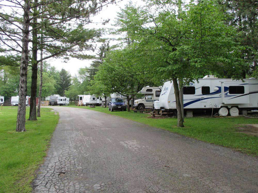 Westward ho rv resort campground glenbeulah wi rv for Nearby campgrounds with cabins