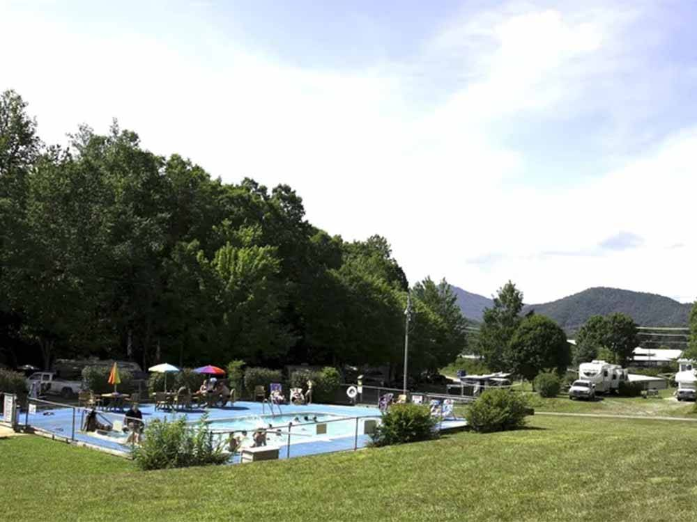 An overview of the pool at FLAMING ARROW CAMPGROUND