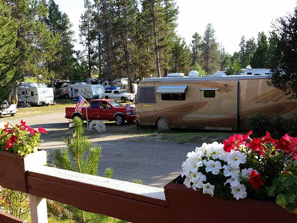 RVs and trailers at campground at CHALET RV PARK