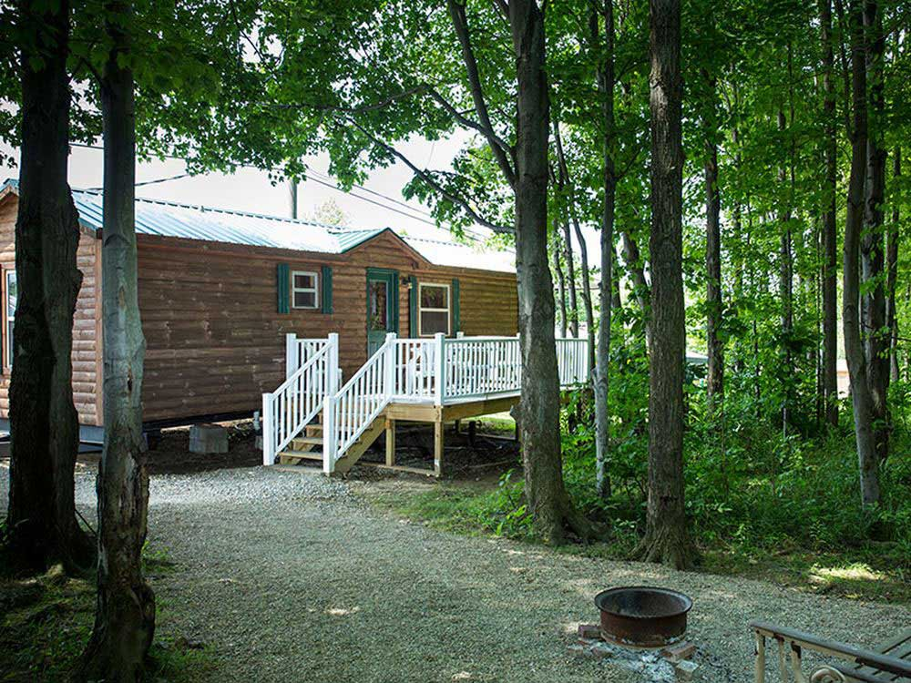 Presque isle passage rv park cabin rentals erie for Rent fishing gear near me